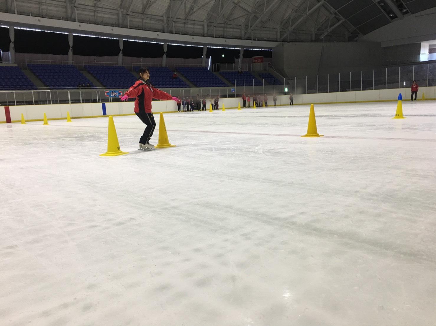 豊橋アクアアリーナでのスケートコーチの写真