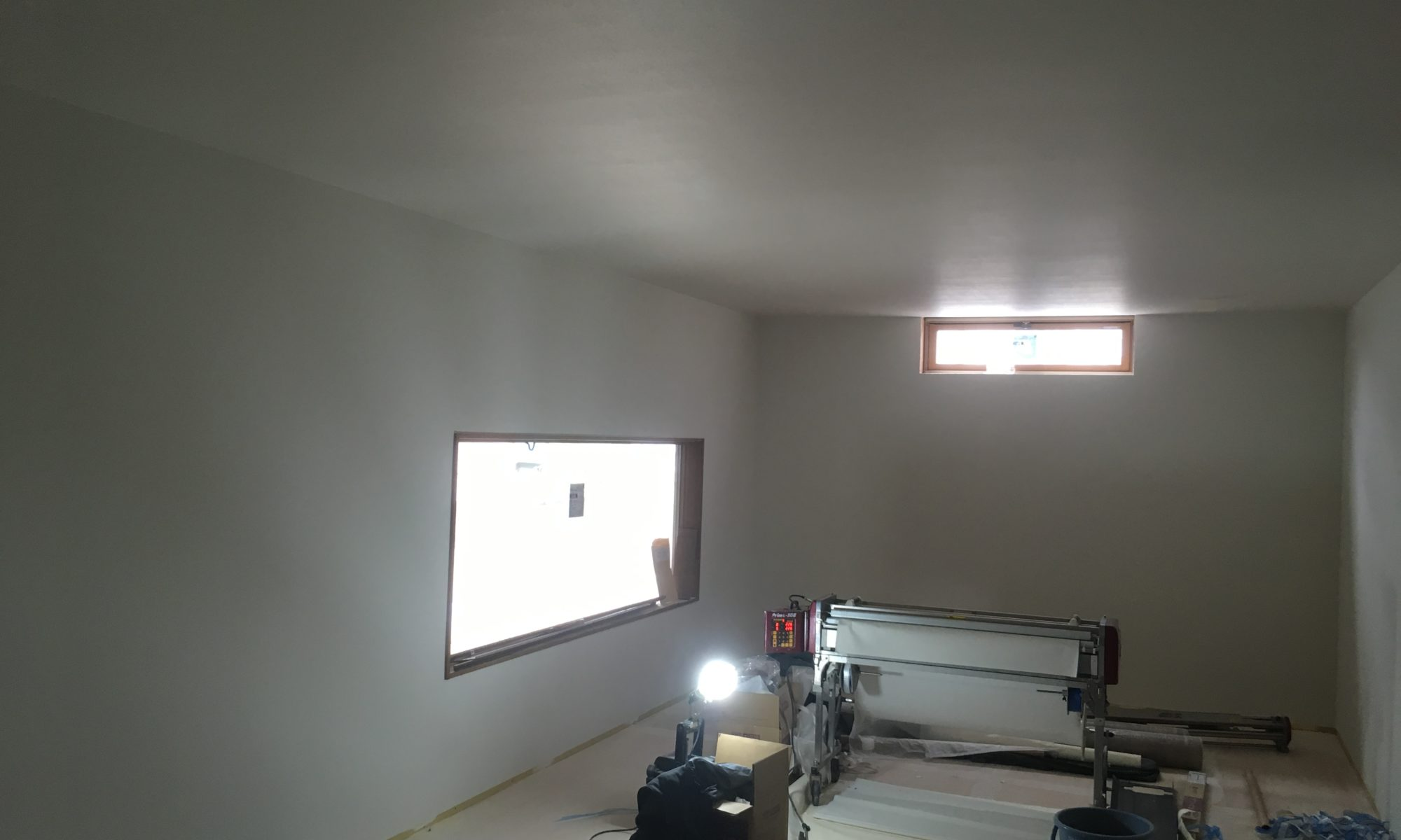 天井は完了し、壁はあと少しです!明日から床CFです!