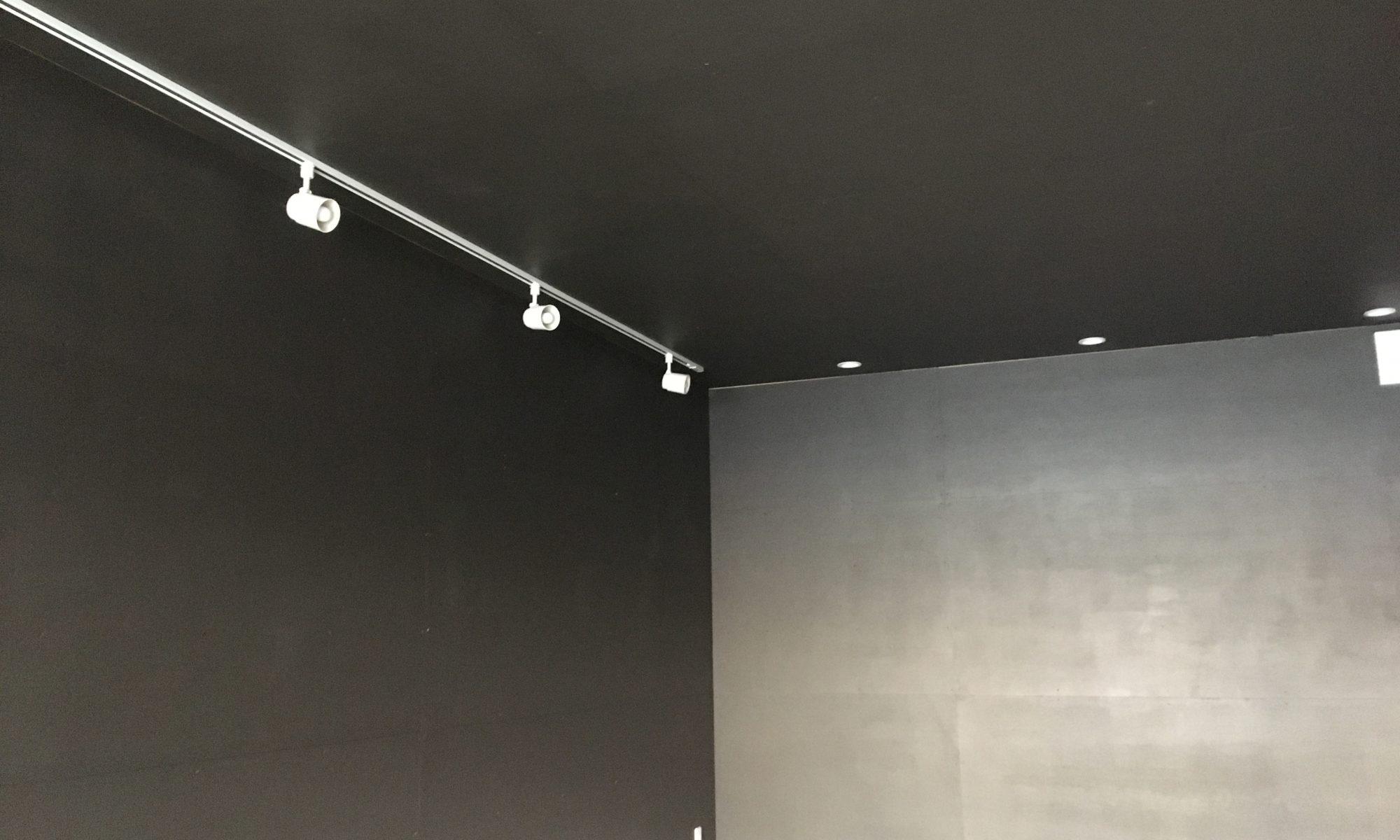 内壁は塗装仕上げです! 輸入ペイントを使っています