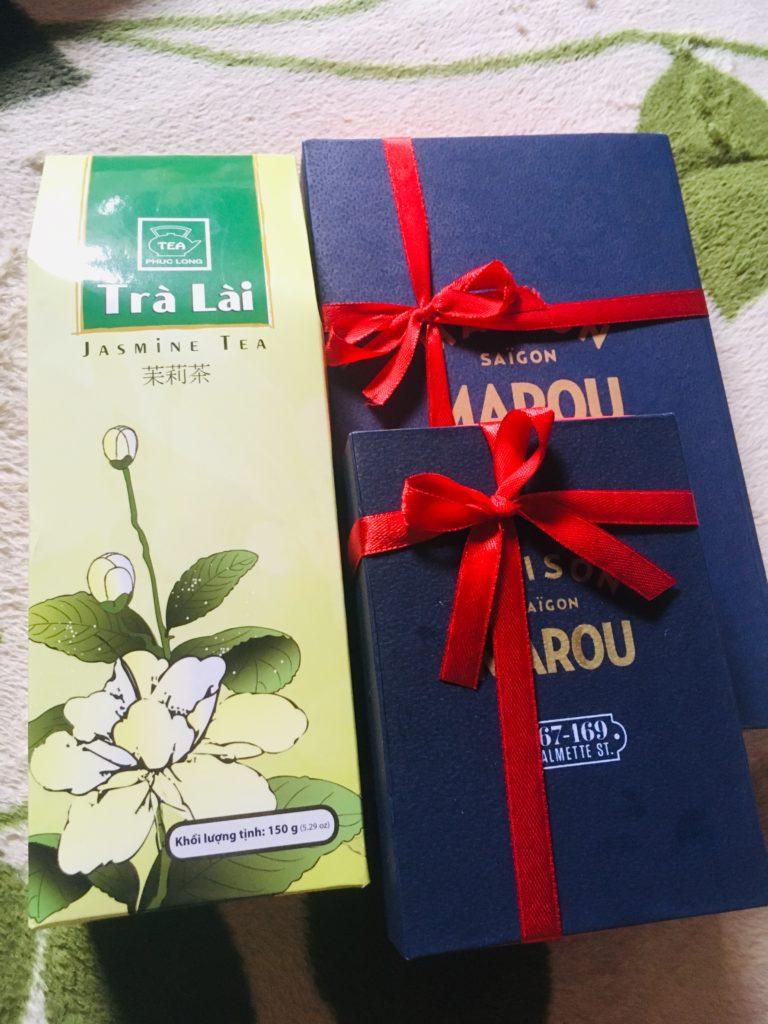 ベトナムの高級チョコMAROUとジャスミン茶